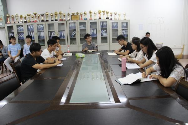 潍坊王一鸣_潍坊学院召开第十六届学生会干部首次会议